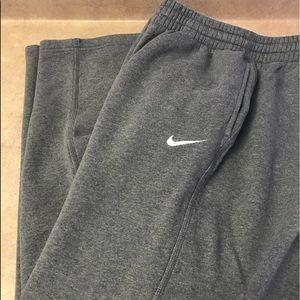 Men's Nike Joggers, Size L